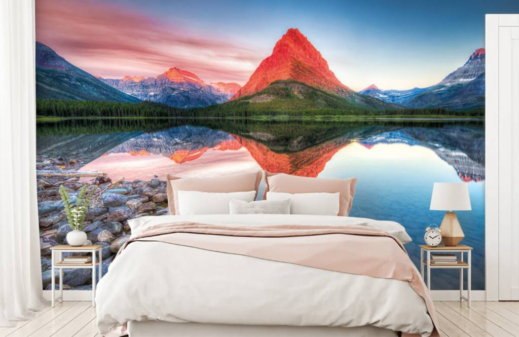 Lacs et eaux - Le sommet d'une montagne rouge - Couloir 2