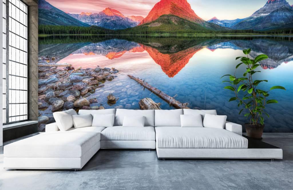 Lacs et eaux - Le sommet d'une montagne rouge - Couloir 5