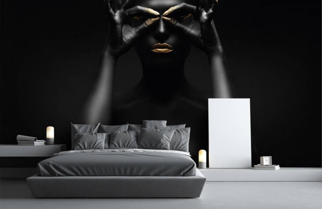 Portets and faces - Femme peinte en noir - Salle de séjour 1