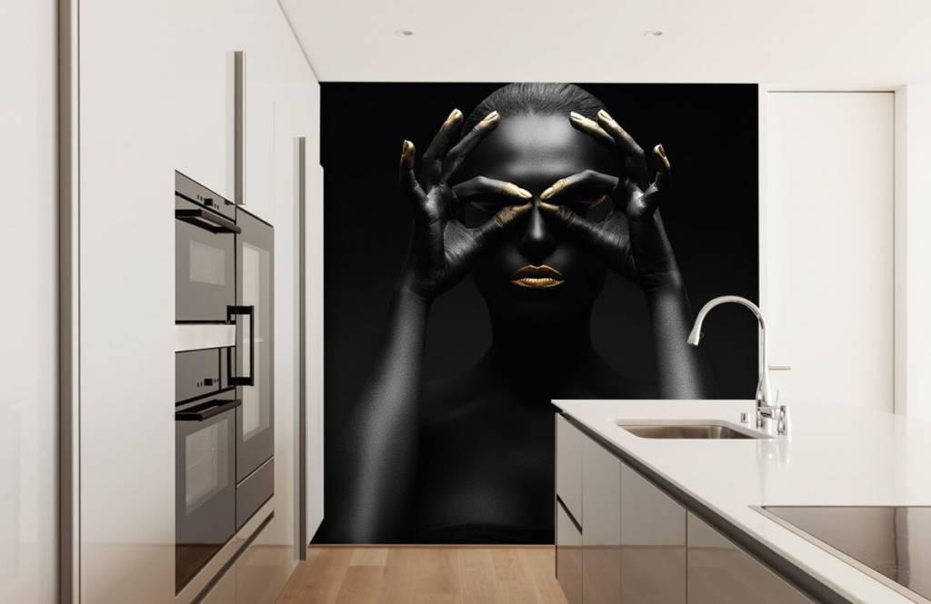 Portets and faces - Femme peinte en noir - Salle de séjour 2