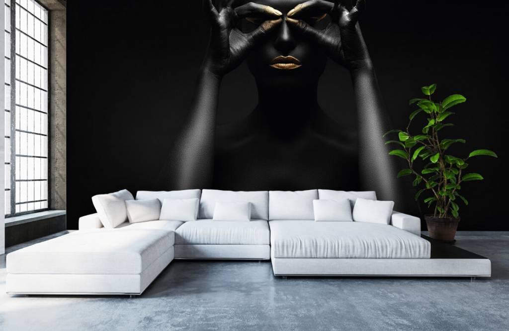 Portets and faces - Femme peinte en noir - Salle de séjour 4