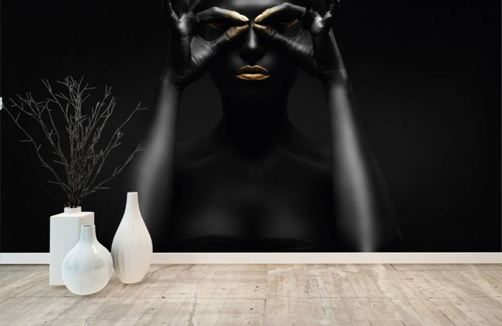 Portets and faces - Femme peinte en noir - Salle de séjour 7