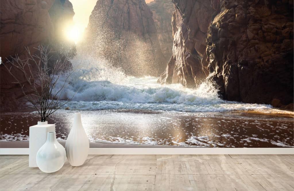 Mers et océans - Les vagues contre les rochers - Département des ventes 8
