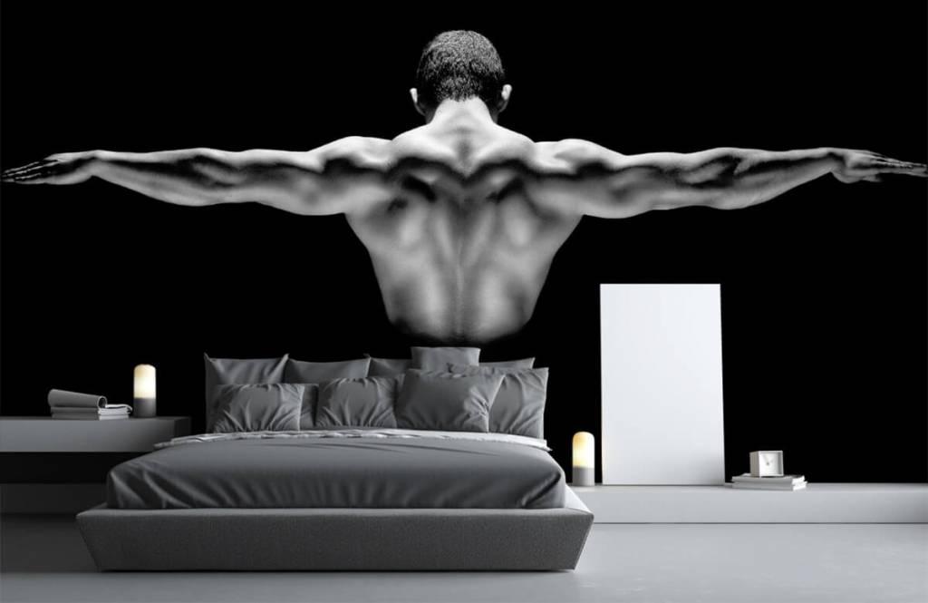 Fitness - Homme aux bras tendus - Garage 3