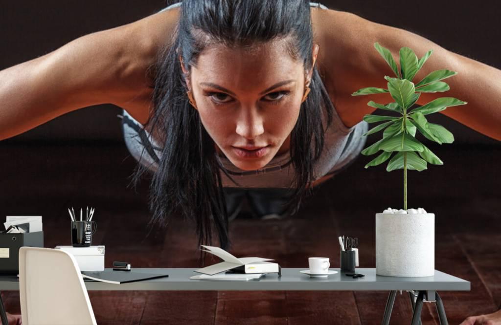 Fitness - Femme faisant des pompes - Chambre d'hobby 2