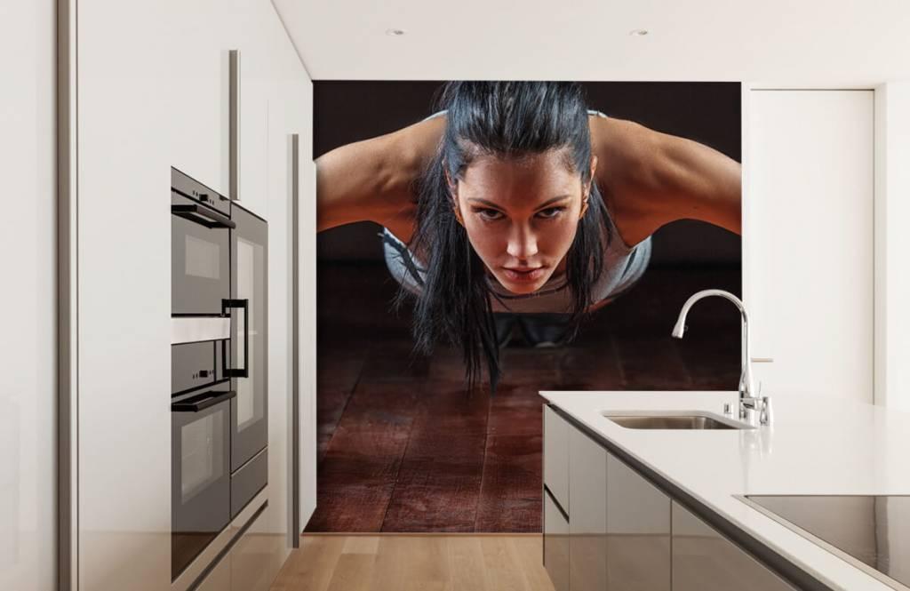 Fitness - Femme faisant des pompes - Chambre d'hobby 5