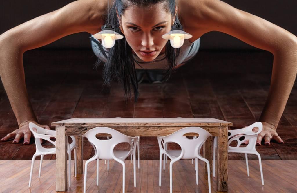 Fitness - Femme faisant des pompes - Chambre d'hobby 7