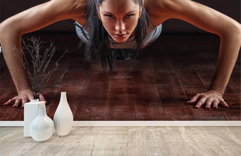 Fitness - Femme faisant des pompes - Chambre d'hobby 8