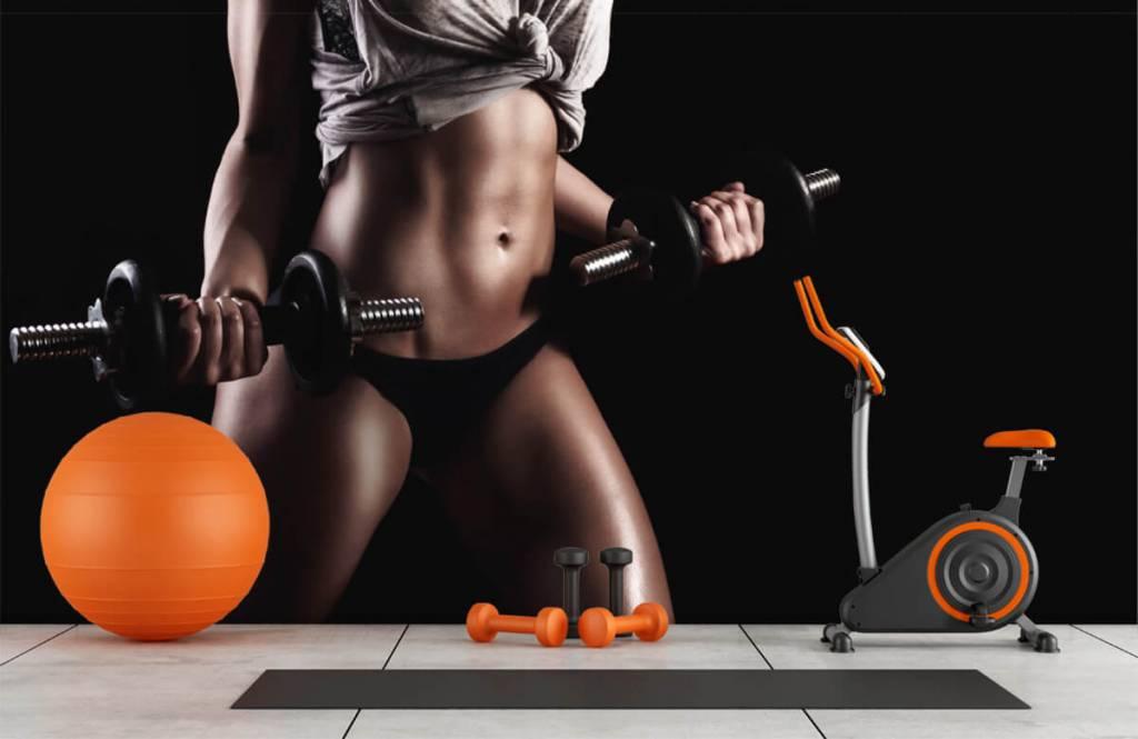 Sport et Fitness - Femme musclée - Garage 1